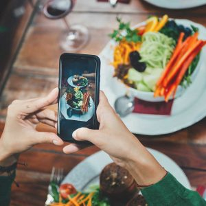 Promote your restaurant to local customers! Unique Restaurant Promotion Ideas, traditional and digital marketing, effective restaurant marketing strategies.