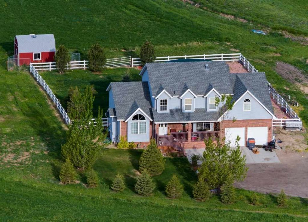 Why is Farmhouse a Great Destination for Vacation?