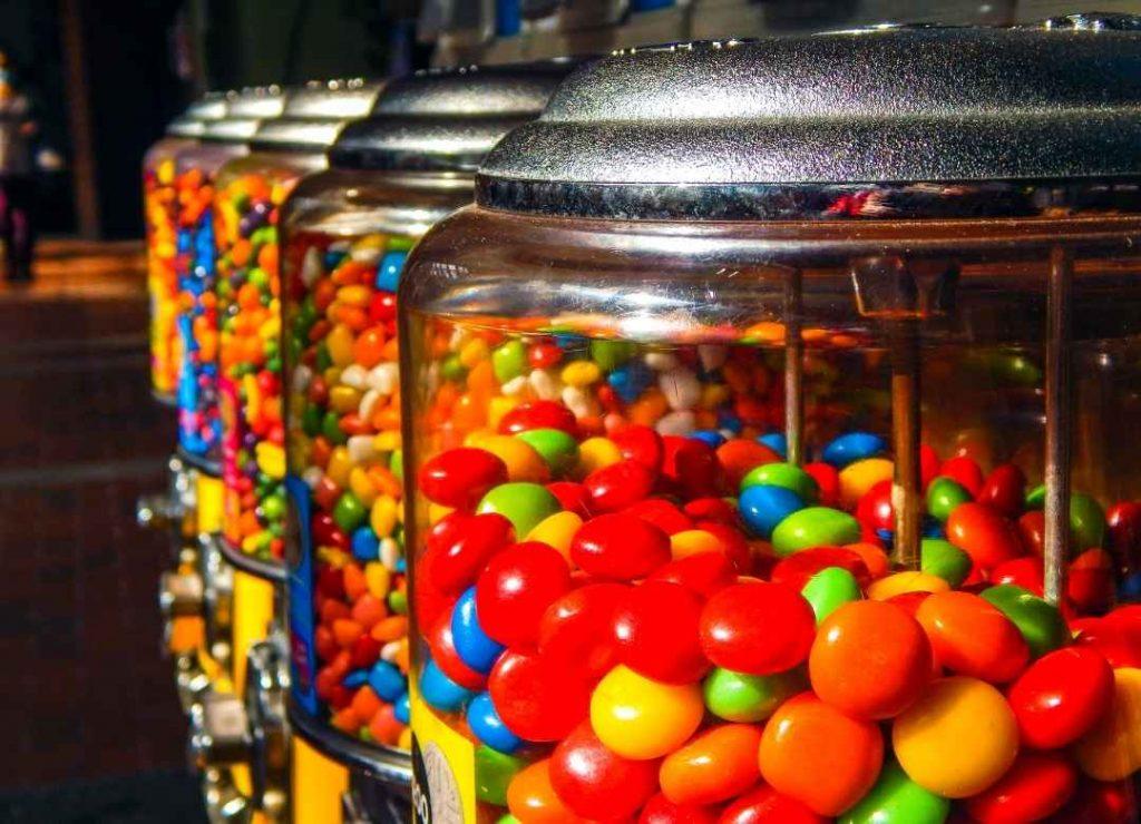 GetFutura.com - How Much Do Vending Machines Cost? - Candy Machines